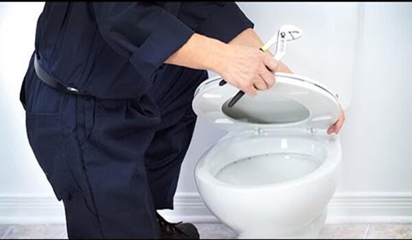 Cách sửa bồn cầu bị chảy nước